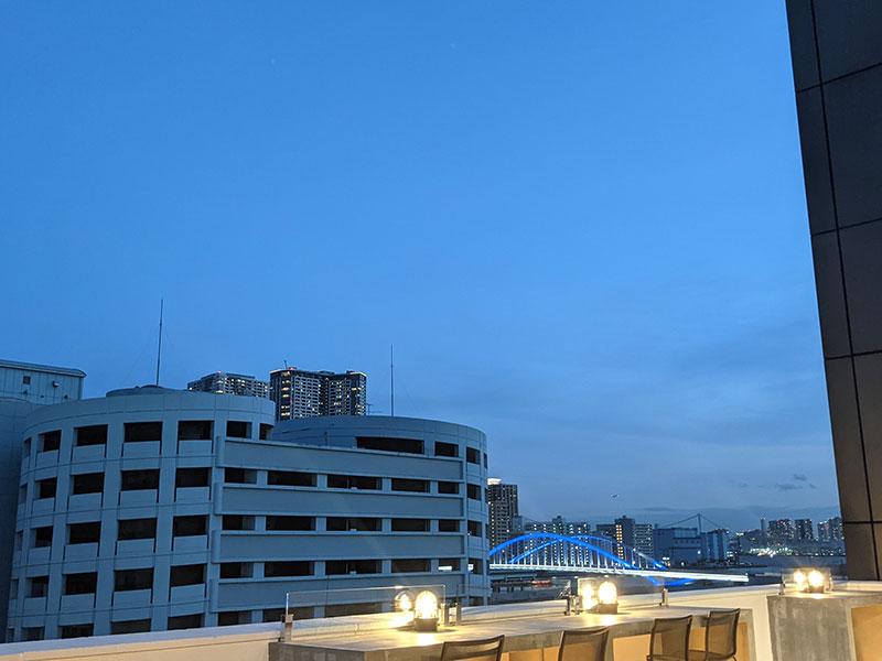 アースキッチン築地のテラス夜景写真②